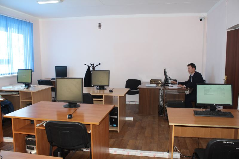 В Актау кандидат на госслужащего попался на шпаргалке во время тестирования