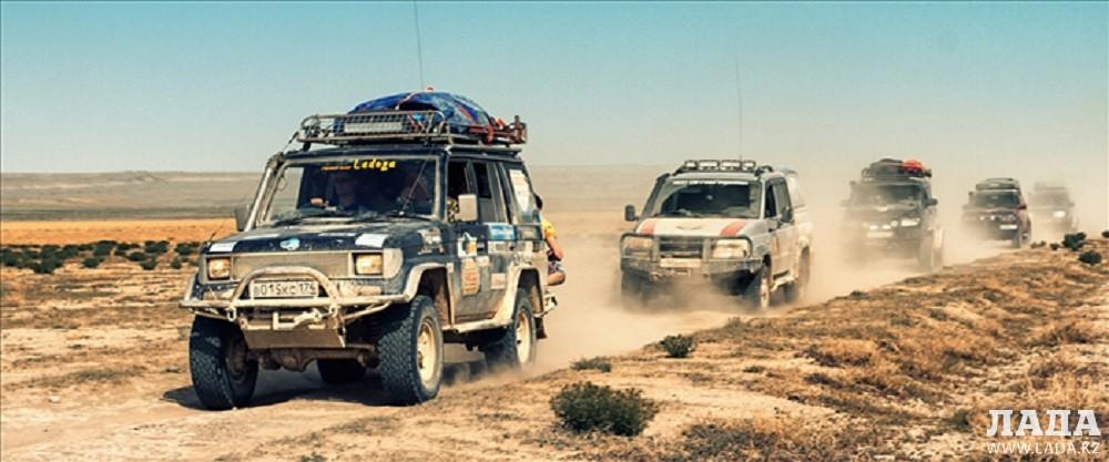 Российские автолюбители выступили организаторами экспедиции по мангистаускому бездорожью
