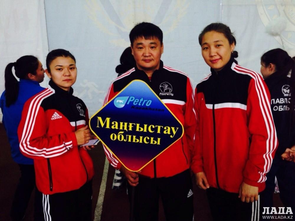 Спортсменки Мангистау Жанна Баскаева и Айгерим Кабылова участвуют в чемпионате Казахстана по боксу