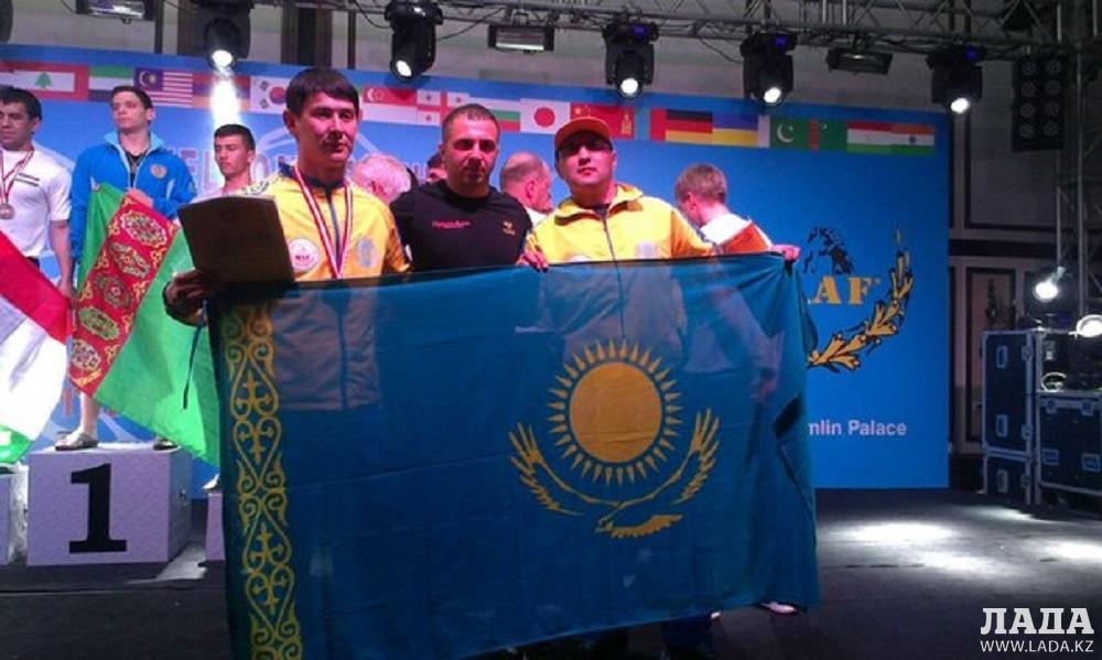 Актауские спортсмены Роман Исламгалиев и Талгат Оспанов стали бронзовыми призерами чемпионата Азии по армрестлингу