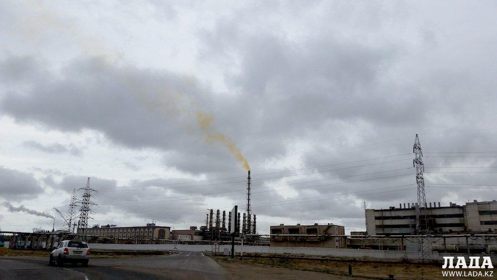 «КазАзот»: Выбросы желтого цвета не представляют опасности для жителей Актау