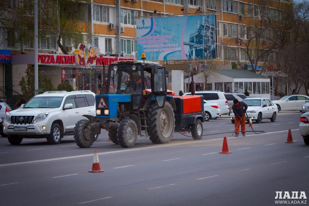 Бексултан Шалабаев: Дорожную разметку в Актау не могут наносить ночью из-за погодных условий