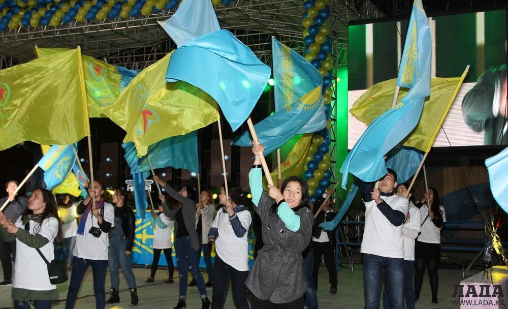 Молодежь Актау провела акцию «Наш выбор»