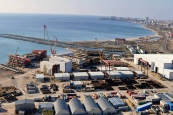 Объемы перевалки грузов через порт Актау снизились на 19%