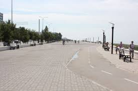 В Актау полицейские очистили набережную от продавцов и прокатчиков велосипедов