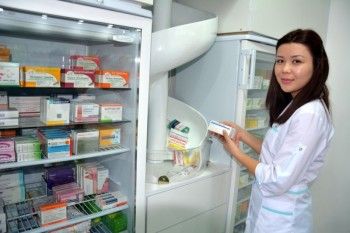 В Актау открылась первая на западе Казахстана роботизированная аптека (ФОТО)