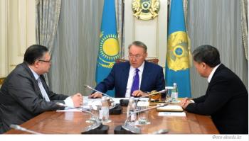 Назарбаев поручил Джаксыбекову и Тажину подготовить указ об утверждении нового алфавита