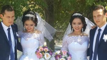 Братья-близнецы женятся на сестрах-близняшках в Актау