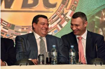 WBC принял решение по реваншу между Головкиным и Альваресом