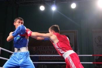 Казахстанские боксеры отличились на международном турнире в Актау
