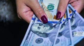 Доллар подешевел на три тенге