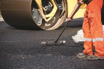 Ведущую к сакральным местам дорогу реконструируют в Мангистау