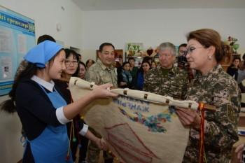 Дарига Назарбаева поздравила учителей Мангистау