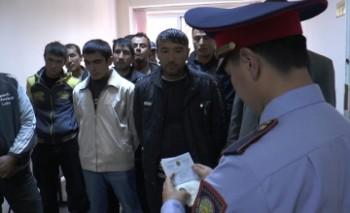 На казахстанско-узбекской границе за сутки задержали 69 незаконных мигрантов