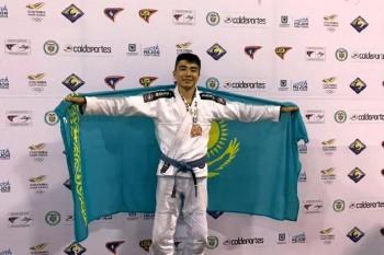 Казахстанец завоевал «бронзу» турнира по джиу-джитсу в Бразилии