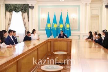 Касым-Жомарт Токаев встретился с одаренными детьми в Акорде