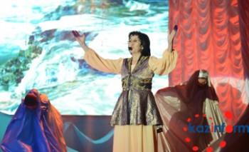 Астанада ақын Оңайгүл Тұржанның жыр кеші өтті (ФОТО)