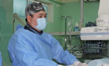 В Актау сделали первую операцию 78-летней пациентке по интервенционной методике (ФОТО)