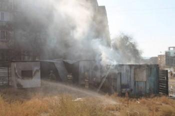 Жилые вагончики подожгли в Актау