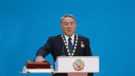 Избранный президент Казахстана Нурсултан Назарбаев принес присягу служения народу республики
