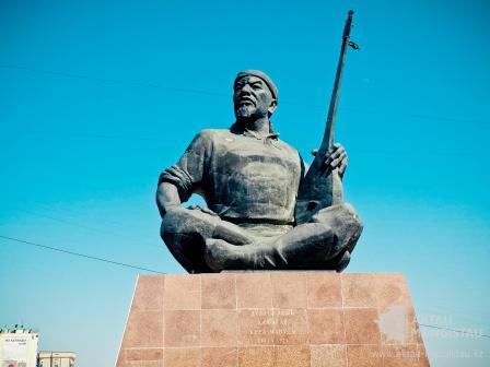 Памятник Кашаган