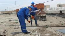 В Актау должникам за канализацию устанавливают заглушки