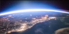 Камеры МКС запечатлели рассвет над Землей