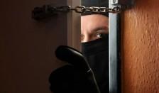 В Актау воры связали открывшего им дверь ребенка и ограбили квартиру
