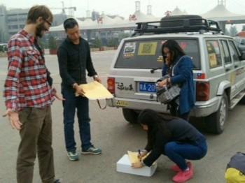 Путешественники из Актау автостопом посетили пять стран (ФОТО)