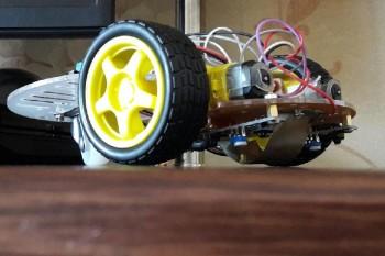 Школьник Жанаозена создал первого в Казахстане робота-официанта