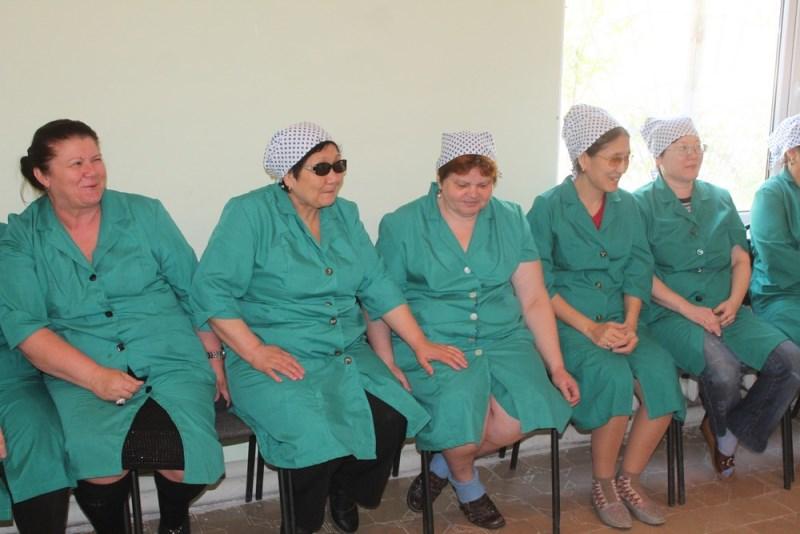Частный фонд приобрел для Актауского общества слепых 9 швейных машин