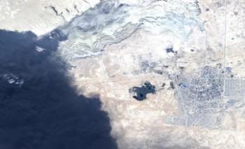 Казахстанский спутник KazEOSat-1 сделал снимки пожара в амбаре по сливу нефтеотходов в Жанаозене (ФОТО)