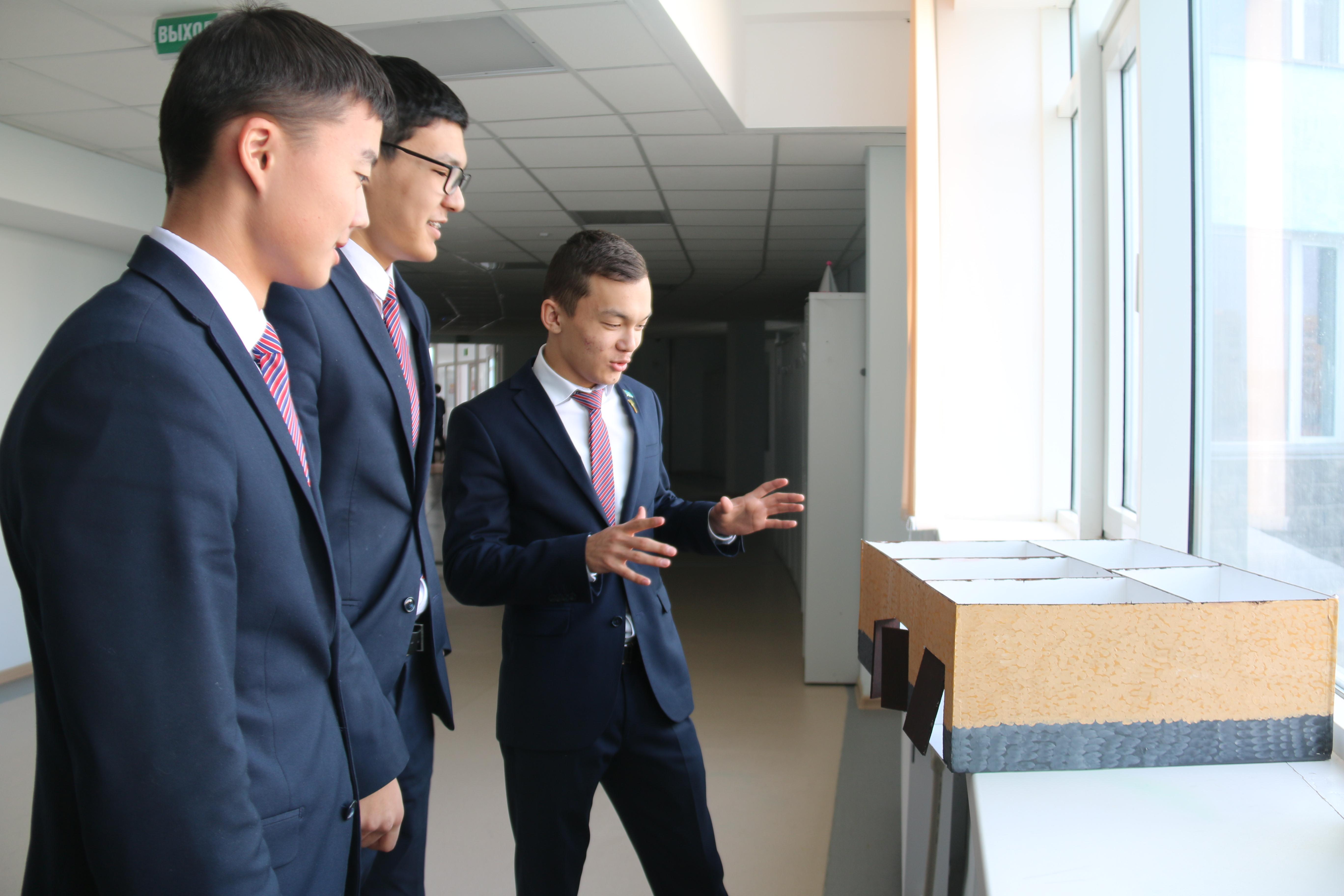 Актауский школьник создал умный дом за $60