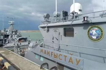 Корабли ВМС Ирана впервые прибыли в Актау