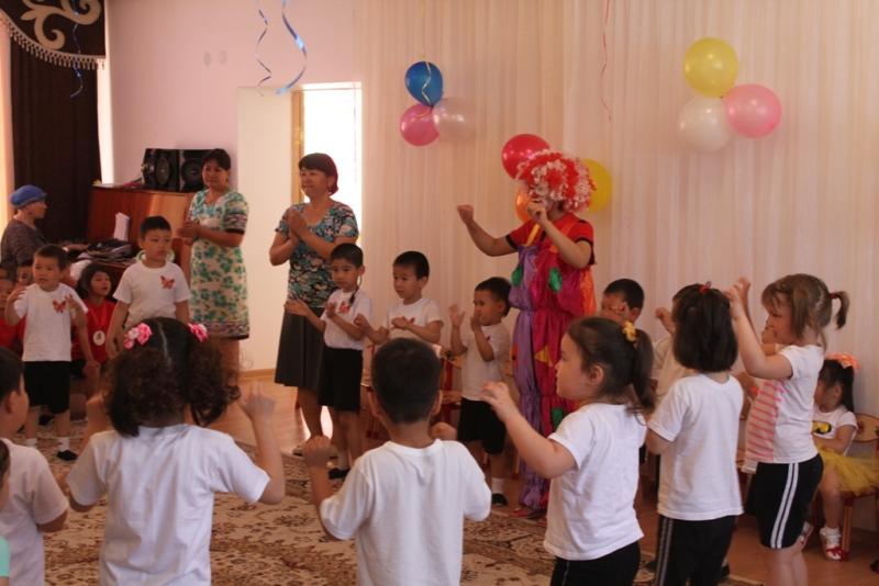 Воинские части Актауского гарнизона взяли шефство над специальными детскими учреждениями